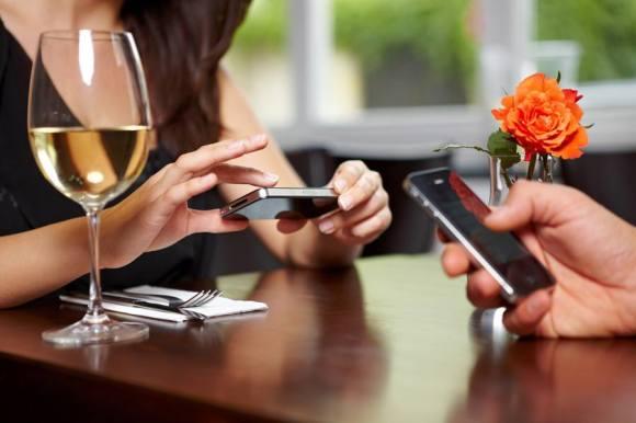 Llega-qlikBar-una-app-para-hacer-pedidos-desde-la-mesa-del-bar